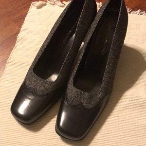 Bandolino heels Black and Tweed  Size 8
